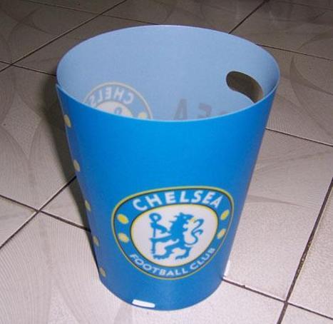 曼联迷厨房必备垃圾桶!